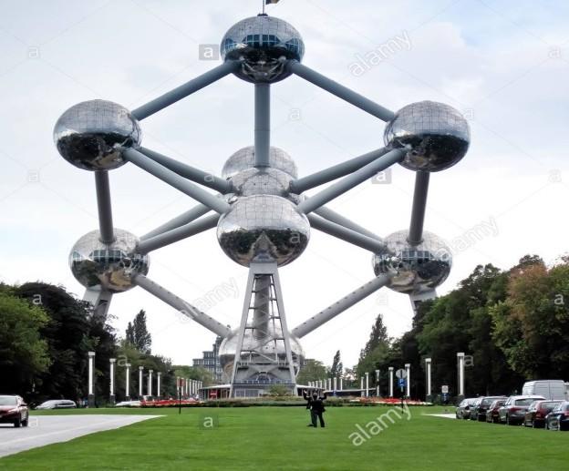 C:\Users\guido\Desktop\la-torre-di-atomium-di-bruxellesbelgioleuropa-d70k16.jpg