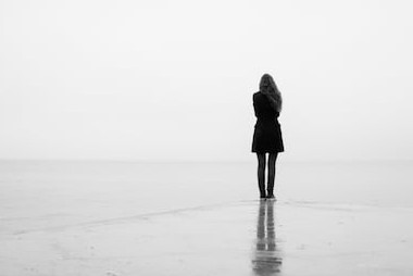 https://image.shutterstock.com/image-photo/lonely-girl-looks-out-into-260nw-1070080670.jpg