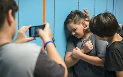 https://image.shutterstock.com/image-photo/young-student-torturing-school-bullying-260nw-685475920.jpg